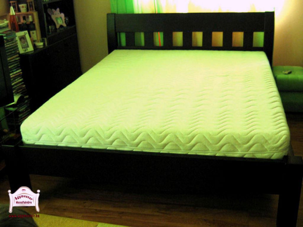 Tömör fa ágy matraccal 140x200 160x200 180x200