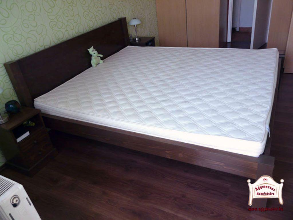 Egyedi tömörfa ágy matraccal kemény fa kivitel