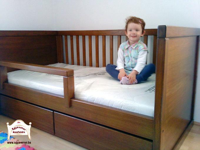 Ágymester egyedi gyerekágy keményfa anyagból,magasított támlákkal,leesésgátlós 80x160