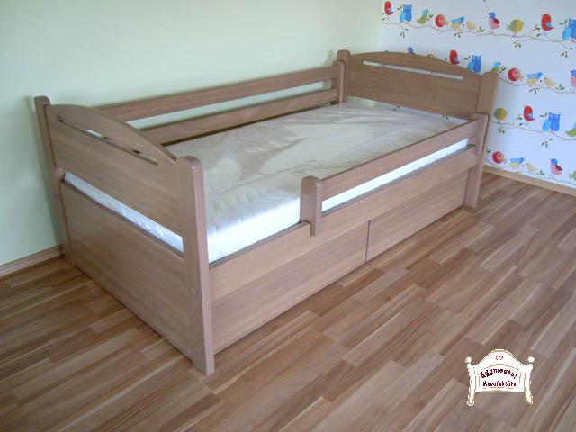 Fiókos gyerekágy matraccal egyedi méretben ágyneműtartó leesésgátló