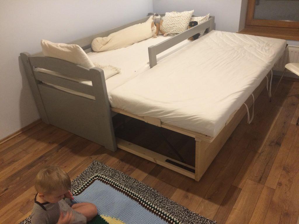 Pácolt faágy Vendégszerető funkcióval, ágyneműtartóval és matraccal