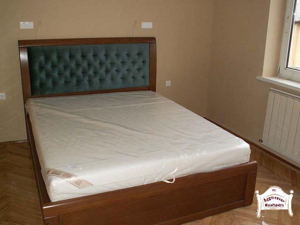 Kárpitozott ágy 160x200 180x200 tömör fa anyagból ágyneműtartós